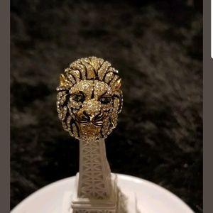 Jewelry - Crystal lion head fashion ring